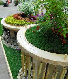round round garden./ If it turns by hand, sound will sound.