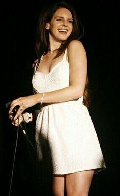 Beautiful #LanaDelRey #music #queen