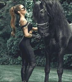 The most important role of equestrian clothing is for security Although horses can be trained they can be unforeseeable when provoked. Riders are susceptible while riding and handling horses, espec… Most Beautiful Horses, Pretty Horses, Horse Love, Animals Beautiful, Equestrian Girls, Equestrian Outfits, Equestrian Style, Horse Photos, Horse Pictures