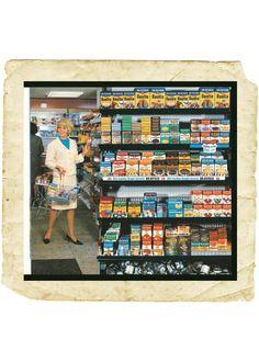 Das Dr. Oetker-Sortiment präsentiert sich in einem der ersten deutschen Supermärkte, 1958
