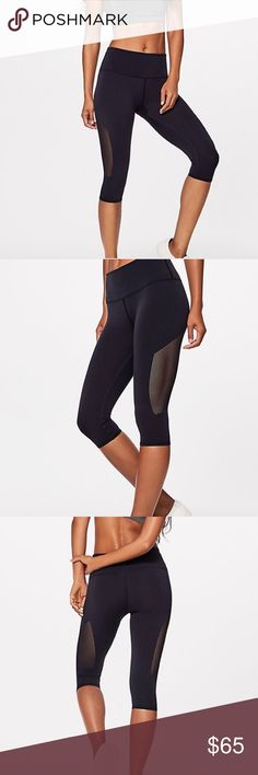"""NWT Lululemon Reveal Crop Currently for sale on the lululemon website, these reveal crops are all the rage. Midnight Navy in color, four way stretch, naked feel. 15"""" lululemon athletica Pants Leggings"""