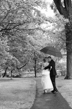 Bride & Groom Umbrella  www.aelphoto.com