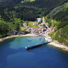 Diez pueblos muy bonitos de Asturias teñidos de verde Beautiful Sites, Beautiful Places To Visit, Travel Around The World, Around The Worlds, Places To Travel, Places To Go, Asturias Spain, Beach Vibes, Road Trip