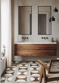 Bathroom Styling, Bathroom Interior Design, Home Interior, Bathroom Ideas, Industrial Bathroom Design, Bathroom Trends, Wood Bathroom, Washroom, Bathroom Designs