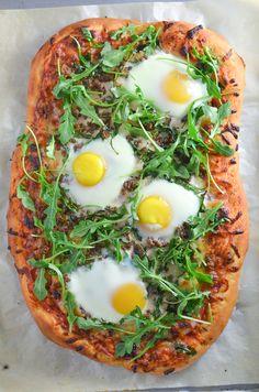 Breakfast Pizza with Canadian Bacon, Breakfast Sausage & Arugula | #JonesBrinner #ad | simplywhisked.com