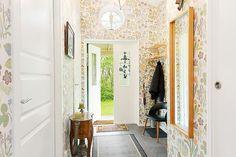 Josef Frank Tapet, Scandinavian Style, Oversized Mirror, Interior Design, Wallpaper, 30, Inspiration, Furniture, Home Decor