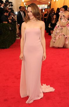 Vogue Daily — Rachel McAdams in a Ralph Lauren Collection dress and Fred Leighton jewelry