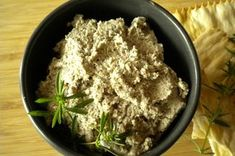 Summer Savory Mushroom Pate is the perfect summer appetizer, serve with some crusty bread! Winter Savory, Summer Savory, Pate Recipes, Vegetable Recipes, Cooking Recipes, Edible Mushrooms, Stuffed Mushrooms, Stuffed Peppers, Mushroom Appetizers