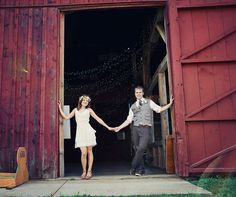 Trimborn Farm is perfect for the fun & funky, do-it-yourself couple! Find out more at marriedinmilwaukee.com! #Trimborn #Milwaukee #Wedding