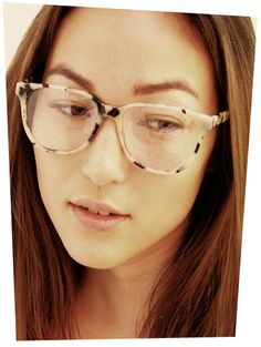 New York in Cream Tortoise Shell by Prism London