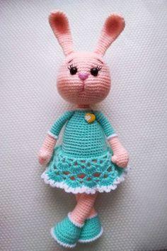 Amigurumi Toys, Crochet Patterns Amigurumi, Crochet Hooks, Crochet Round, Free Crochet, Crochet Rabbit, Yarn Needle, Crochet Animals, Handmade Toys