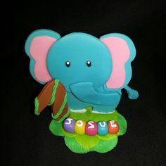 Elefante en masa flexible. Animales de la selva. Jungle Friends polymer clay