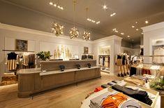 Club Monaco Women's Store, Philadelphia, PA.