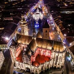 Elisabeth Cathedral in Kosice Places To Travel, Places To See, Macedonia Greece, Christmas Markets Europe, Central Europe, Bratislava, Budapest Hungary, Krakow, Bosnia And Herzegovina