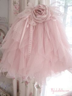 pink ruffles lampshade,have to make this!