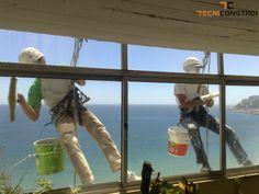 Projecto Edificio Sesimbra | Lavagem de vidros - Lavagem de vidros por sistema de rappel, este tipo de trabalho, foi bastante económico para o cliente.