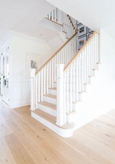 Staircase square stair spindles and balusters with White Oak railings and threads Paint color is Benjamin Moore Simply White Staircase square stair spindles and balusters with White Oak railings and threads Paint color is Benjamin Moore Simply White Staircase Banister Ideas, White Staircase, Staircase Makeover, Staircase Railings, Staircase Design, White Banister, Staircase Decoration, Basement Staircase, Staircase Remodel