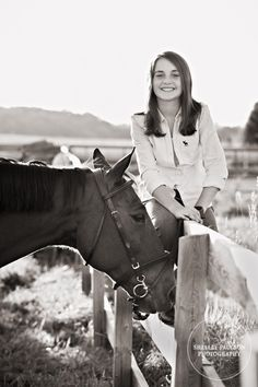 Rold Family Portraits with Horses Equine Photography, Portrait Photography, Family Portraits, Family Photos, Horse Pictures, Cowgirls, Montana, Photo Ideas, Card Ideas