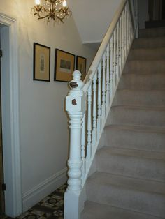 VICTORIAN HOUSE RENOVATION U.K.: STRIPPING THE VICTORIAN STAIRCASE OF ...