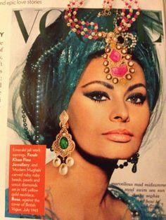 sofia loren pictures | Sophia Loren on British Vogue 1965