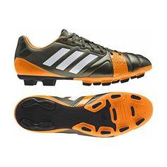 62c3f58225d Untuk pemain sepakbola sangat pantas menggunakan Sepatu Adidas Nitrocharge  3.0 TRX FG F32808 ini karena selain