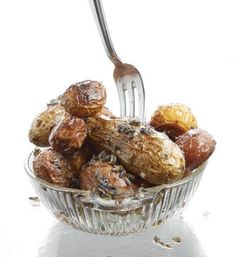 Roasted Potatoes with L LOVE cooking with lavender, it's so #food #cuisine| http://myawesomecookingguides.blogspot.com