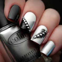 When it comes to nail art or manicures, there are so many choices. Feather design is one of the most popular nail art trend these days. Take a look at these creative feather nail art designs, which will make your nails truly stand out. Elegant Nail Designs, Elegant Nails, Beautiful Nail Designs, Cute Nail Designs, Beautiful Nail Art, Pretty Designs, Designs For Nails, Beautiful Images, Awesome Designs