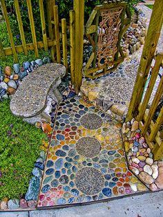 Diy Garden, Garden Paths, Garden Art, Recycled Garden, Garden Projects, Path Design, Landscape Design, Garden Design, Mosaic Walkway