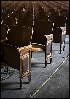 elementary school auditorium in north carolina. What most school's auditoriums in NC look like that are older.