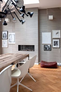 Fireplace | dining room