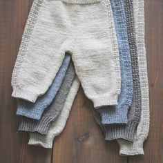Knitting For Babies Knit Baby Pants, Knitted Baby Clothes, Baby Leggings, Baby Cardigan, Baby Boy Knitting, Knitting For Kids, Baby Knitting Patterns, Baby Patterns, Baby Outfits