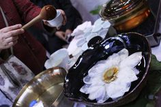 just a few things from saturday's lovely tea and craft festival at bexco… lotus flower tea may be the prettiest tea on the planet. if tea didn't seem like mysterious alchemy before, this contraption might convince you. Flower Tea, Lotus Flower, Lotus Tea, Korean, Drinks, Drinking, Beverages, Korean Language, Drink