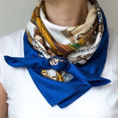 Vintage Fashion Wearing my vintage Hermes Musee scarf in a cowboy knot secured with a perfectly matching Ways To Wear A Scarf, How To Wear Scarves, Cowboy Knot, Scarf Knots, Popular Outfits, Trendy Outfits, Neck Scarves, Fashion Over 50, Scarf Styles