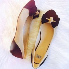 NWOT Roberto Botticelli suede/leather flat Perfection.... Roberto Botticelli suede bow ballerina flat. Brand new, never worn...camel/ black with a touch of gold glam. Truly versatile. Wear w/ skinnies, boyfriends, skirts or dresses. Pure Italian quality. Minuscule mark on inner side of left shoe. TTS 38 ..PRICE IS FIRMLOWEST LISTEDNO OFFERSBUY IT NOW OPTION ONLYI ONLY TRADE FOR CASH Roberto Botticelli Shoes Flats & Loafers
