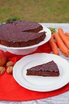 Ako pripraviť jablkovo-mrkvový kolač? Raw Food Recipes, Sweet Recipes, Healthy Recipes, Healthy Cake, Sweet Desserts, Food And Drink, Yummy Food, Sweets, Snacks