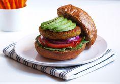 Quinoa and chickpea burgers | Vegie Project