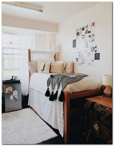 42 fantastic college bedroom decor ideas and remodel 41 College Dorm Decorations Bedroom college DECOR fantastic Ideas remodel Cozy Dorm Room, Living Room Decor Pillows, Cute Dorm Rooms, Dorm Couch, Pink Dorm Rooms, Dorm Room Closet, Dorm Rugs, Living Rooms, Dorm Pillows