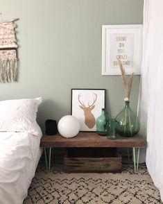 Nathalie | Interior Blog sur Instagram : J'ai une question à vous poser . Dans la chambre de ma grande, il y a ce vert de gris au mur que j'adore. Il me reste un pot tout neuf de…