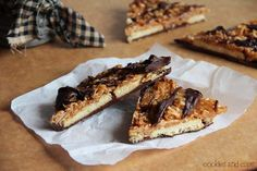 Easy to put together and tastes like Girl Scout Samoas cookie.  via Cookies and Cups.  samoabark8