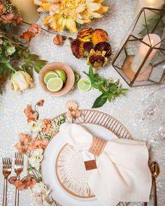 shades of orange wedding place setting ideas