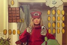 The most creative Super Mario Selfie Super Mario, Mirror Selfie Quotes, Mirror Selfies, Make My Day, Arte Nerd, Cool Mirrors, Mirror Artwork, Mirror Painting, Mirror Mirror
