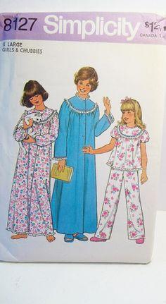 Vintage 70's Sleepwear Pattern Simplicity 8127 Girl's