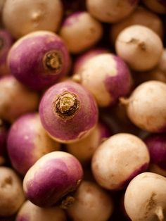 Turnips - rich in mood-boosting folic acid, they help to maintain proper serotonin levels. Folic Acid Deficiency, Clean Eating, Healthy Eating, Healthy Food, Turnip Greens, Serotonin Levels, Healthy Lifestyle Tips, Good Enough To Eat, Good Mood