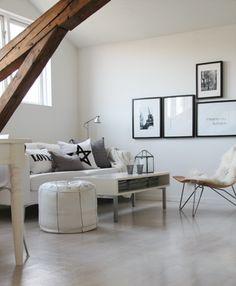 Modern Simple Living Room