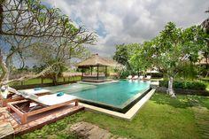 villa istana semer swimming pool