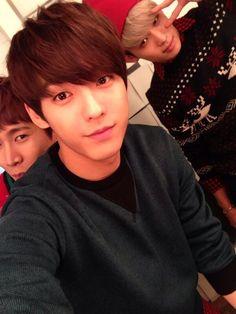 minhyuk's twitter update with eunkwang and hyunsik