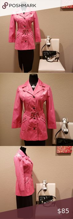 """VINTAGE 60s IRVING POSLUNS PINK RAINCOAT This lovely vintage Irving Posluns short raincoat is in beautiful condition! Featuring hot pink, waterproof fabric, notched lapels, pockets with grommets, button down and matching D-Ring belt front closures, belt loops, contrasting white stitching and is fully lined. Fits like a Medium (See measurements for sizing also). In excellent vintage condition!  Measurements:  BUST: 38"""" WAIST: 30"""" SLEEVE LENGTH: From shoulder seam, 21""""… Plus Fashion, Womens Fashion, Fashion Tips, Fashion Trends, Pink Raincoat, Waterproof Fabric, Hot Pink, Jackets For Women, Medium"""
