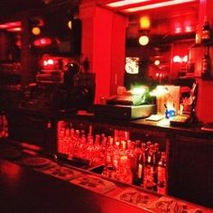 Hank's Bar - Great dive bar in Los Angeles, CA, United States. Stiff drinks and Dodgers!