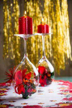 Krásné svícny na vánoční stůl: Vyrobte je ze skleniček na víno! - Proženy Red Party, Art N Craft, Xmas, Christmas, Diy Home Decor, Diy And Crafts, Table Decorations, Flowers, Glitter