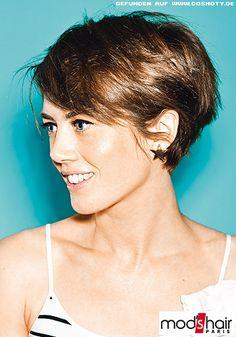 Frisuren Bilder Femininer Pilzkopf Mit Kurzem Nacken Frisuren Haare Kurzhaarfrisuren Haarschnitt Kurz Kurzhaarfrisuren 2015